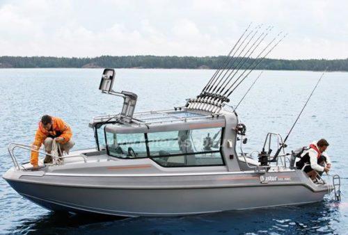 Оборудование лодки для троллинговой рыбалки