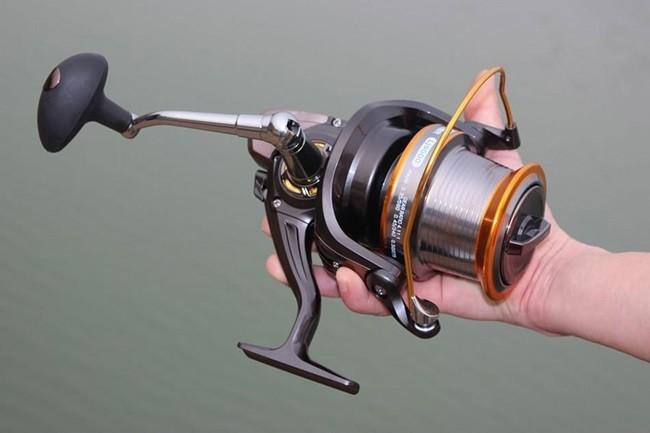 Безынерционная катушка для рыбалки
