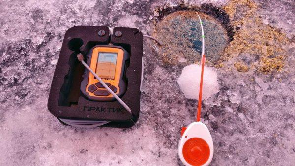 ВИДЕО: Рыбалка зимой с эхолотом, Поиск рыбы с Практик 7 BWF