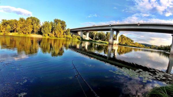 ВИДЕО: Вечерняя рыбалка на спиннинг под мостом