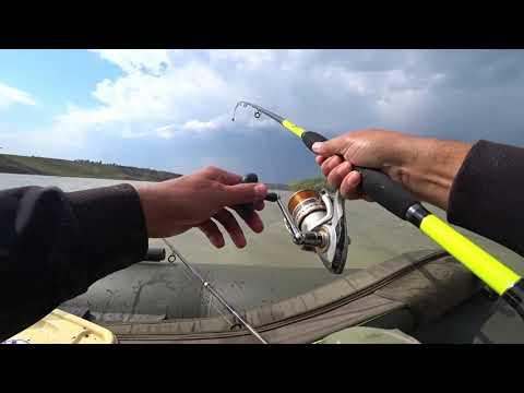 ВИДЕО: Рыбалка в штормовой ветер или активность рыбы перед грозой