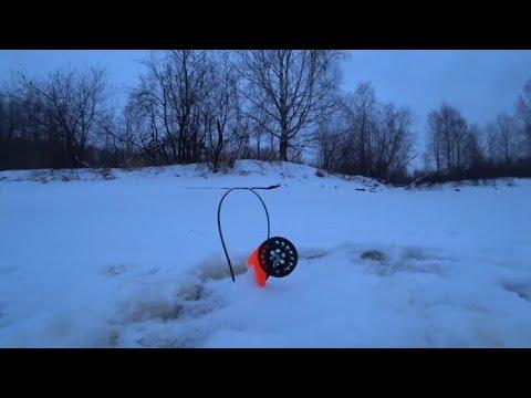 ВИДЕО: Рыбалка на щуку на лесной реке! Рыбалка на жерлицы и балансиры!