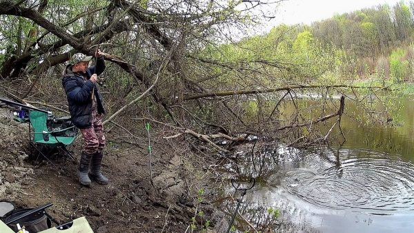 ВИДЕО: Рыбалка на реке Дон. Ловля на Фидер весной.
