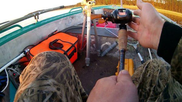 ВИДЕО: Первая рыбалка на Селигере – Наловил щук